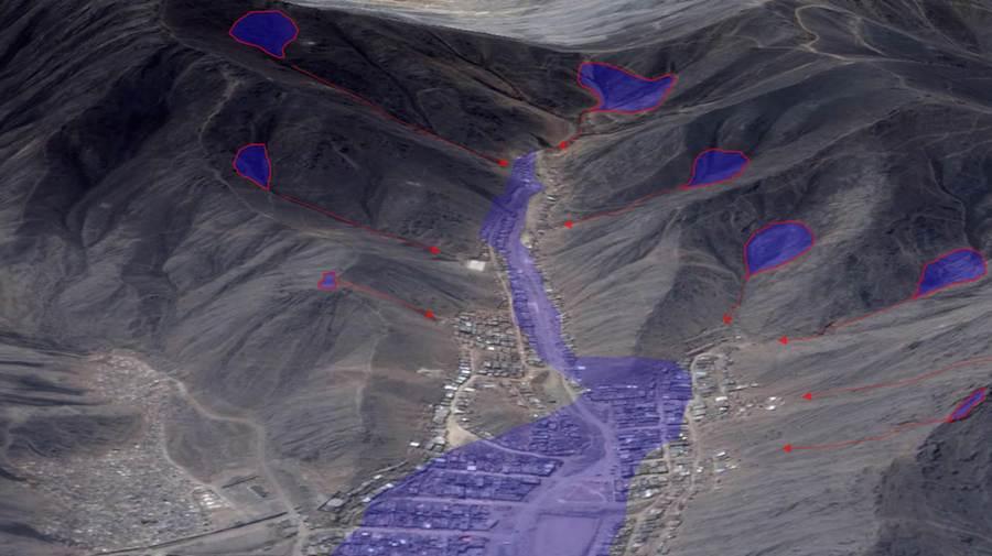 Formación de embalses en el asentamiento humano Señor Cautivo de Ayabaca, en Lima.