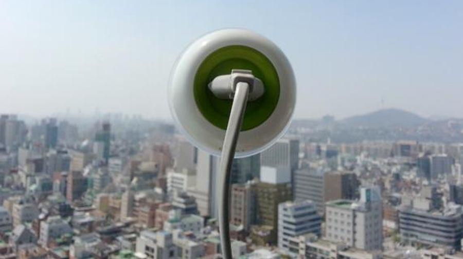 Enchufe solar para ventanas, creado por la empresa KyuhoSong Boa Oh