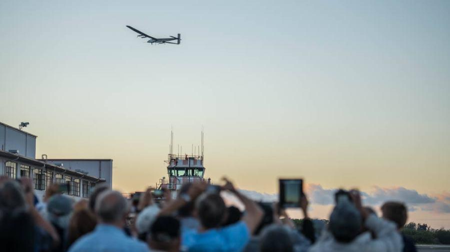 Despegue de Solar Impulse desde Hawái el 21 de abril del 2016 (Foto: Solar Impulse)