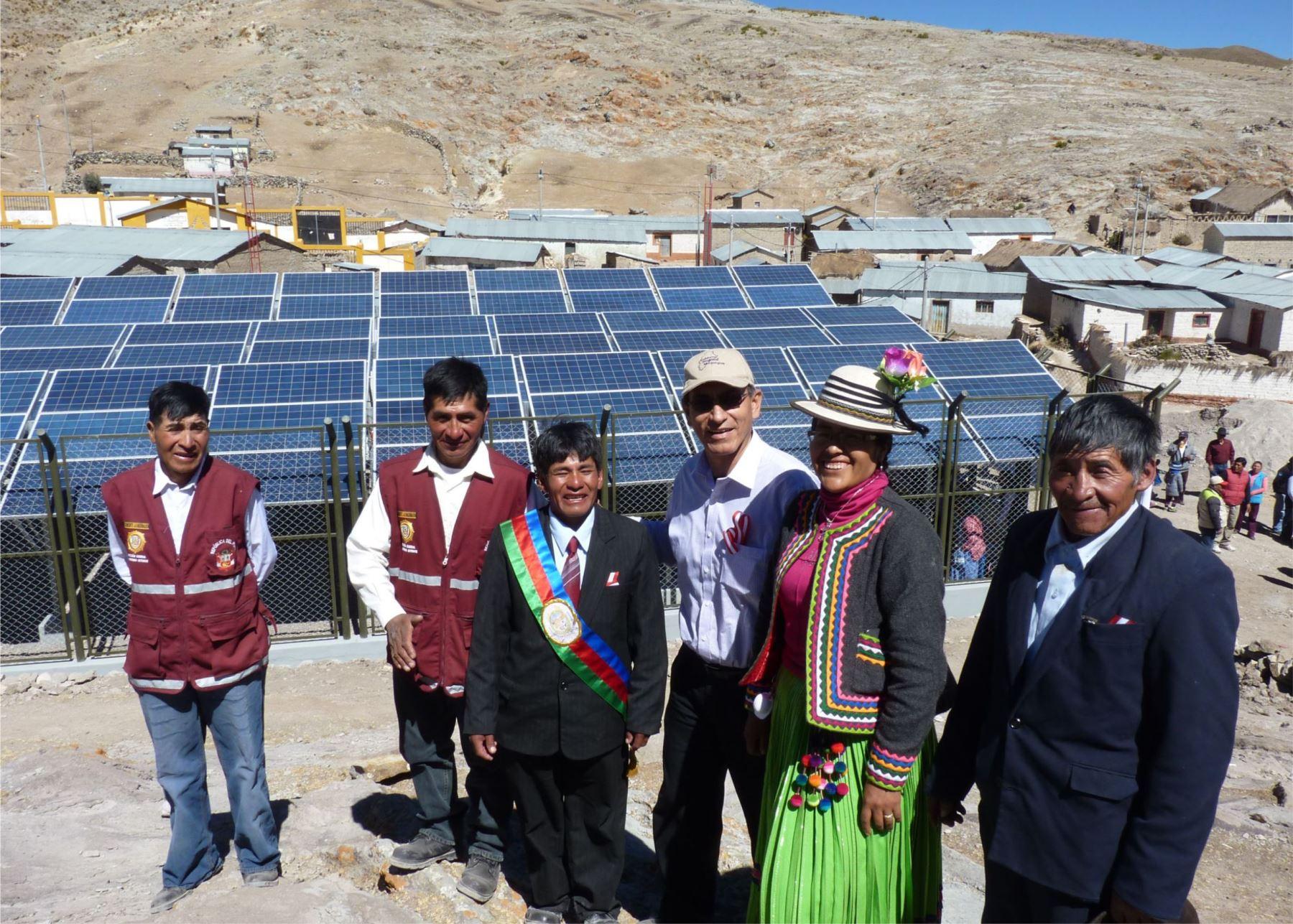 Foto paneles solares moquegua