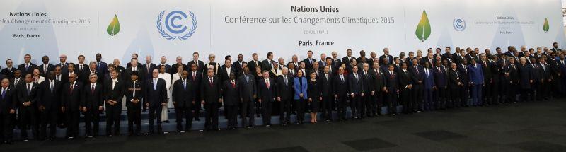 151 líderes mundiales posaron para la foto de familia en la inauguración de la Conferencia del Cambio Climático. IAN LANGSDON / POOL / AFP